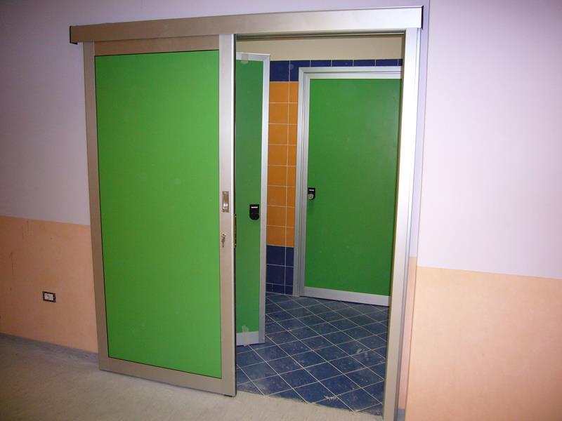 Porte Alluminio Prezzi. Scuroni In Legno Doghe Verticali With ...
